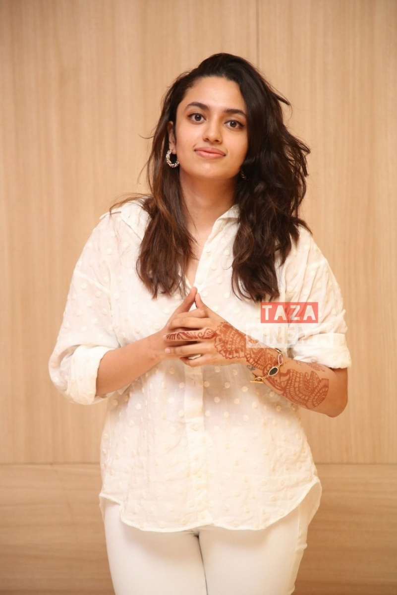 Actress-Malavika-Nair-Photos-11