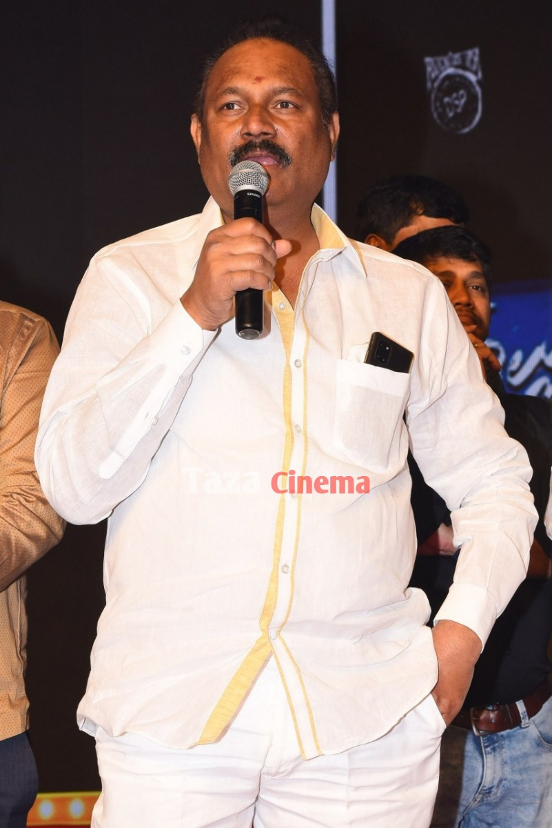 Alludu-Adhurs-Movie-Pre-Release-Event-10