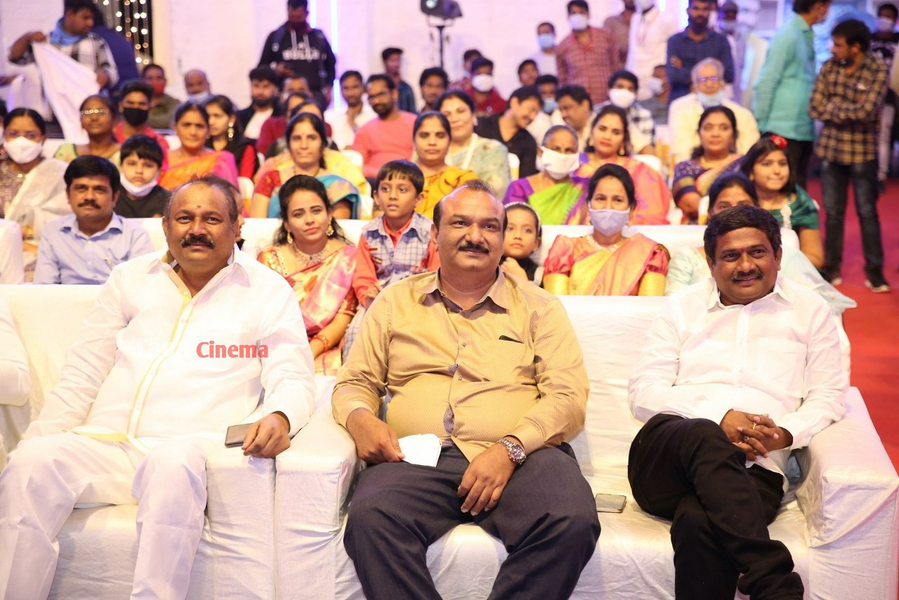 Alludu-Adhurs-Movie-Pre-Release-Event-19