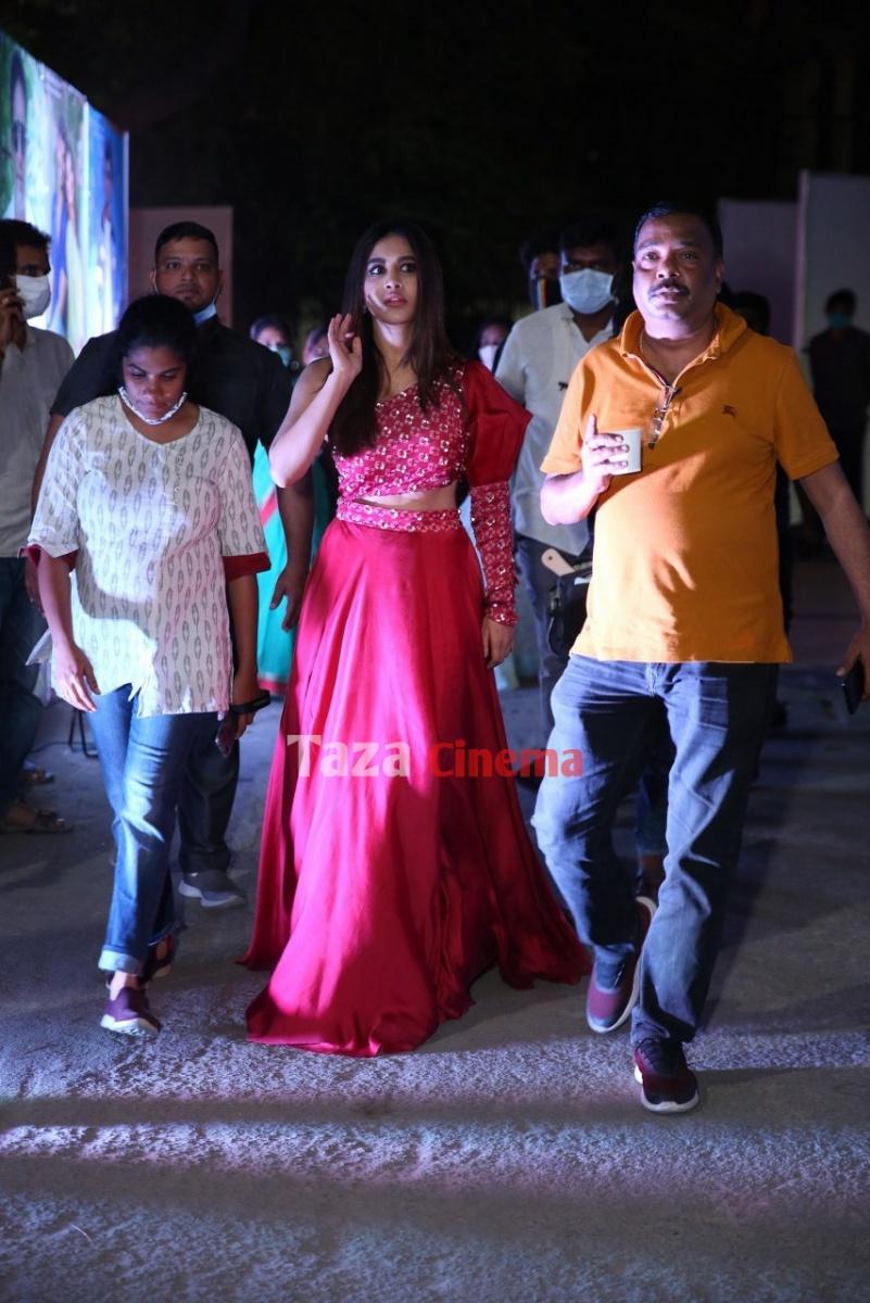 Alludu-Adhurs-Movie-Pre-Release-Event-25