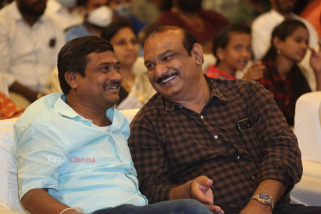 Alludu-Adhurs-Movie-Success-Meet-14