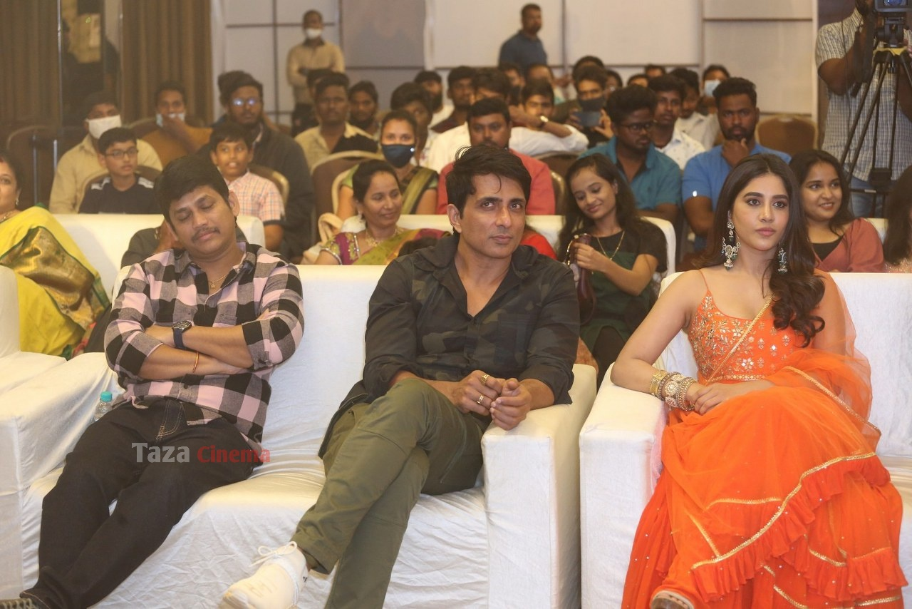 Alludu-Adhurs-Movie-Success-Meet-20
