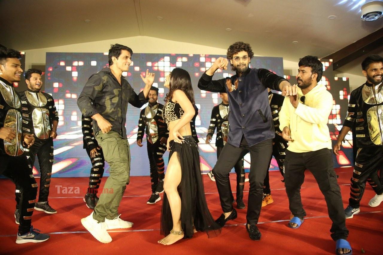 Alludu-Adhurs-Movie-Success-Meet-30
