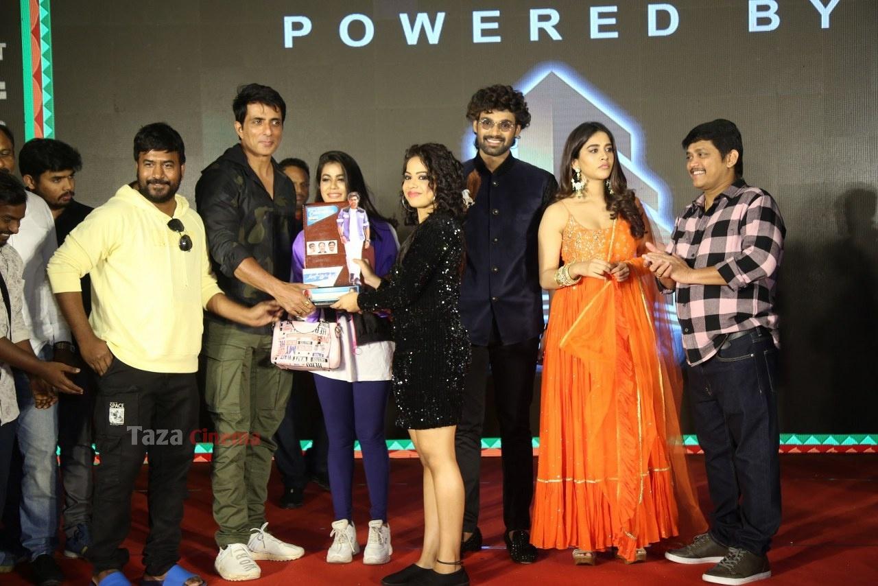 Alludu-Adhurs-Movie-Success-Meet-54