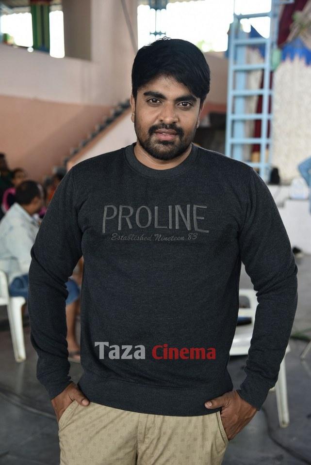 Pranavam-Movie-Stills-1