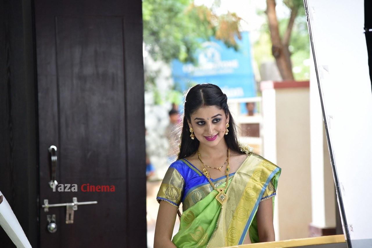 Pranavam-Movie-Stills-11