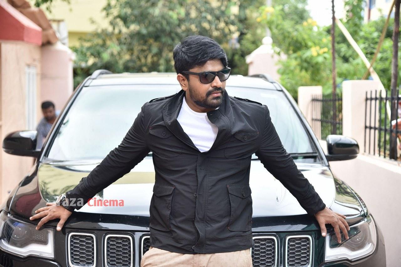 Pranavam-Movie-Stills-2