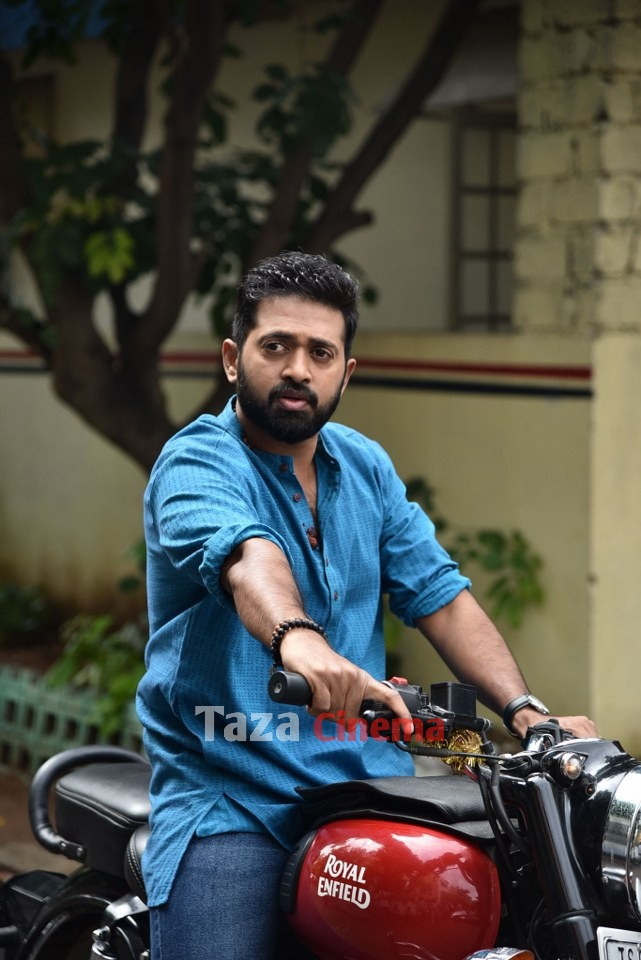 Pranavam-Movie-Stills-30