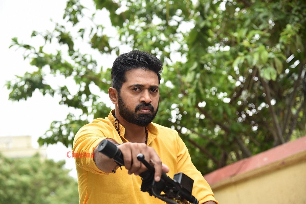 Pranavam-Movie-Stills-31