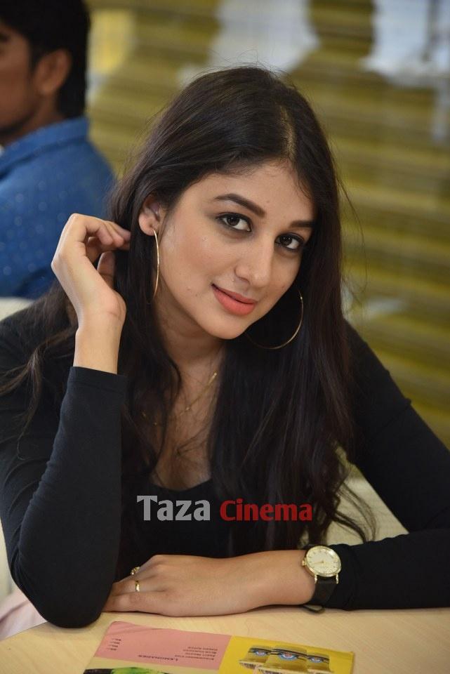 Pranavam-Movie-Stills-4
