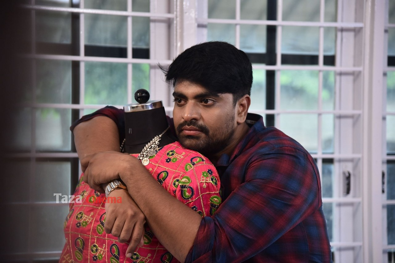 Pranavam-Movie-Stills-48
