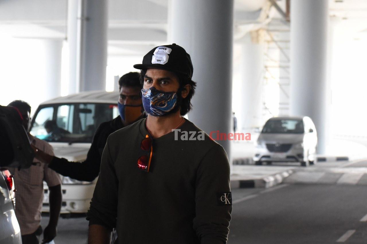 Sudheer-Babu-snapped-at-RGIAirport-15