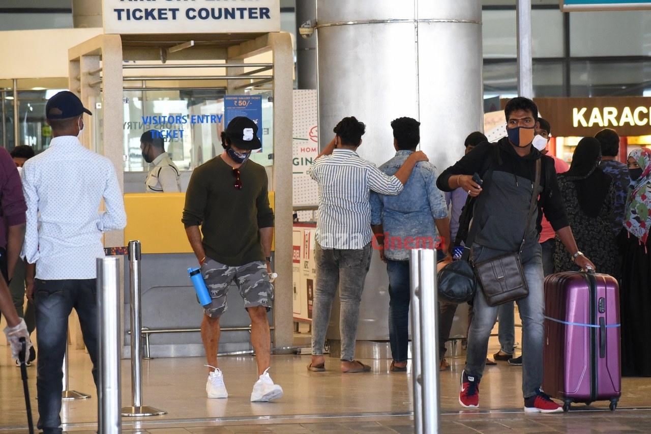 Sudheer-Babu-snapped-at-RGIAirport-2