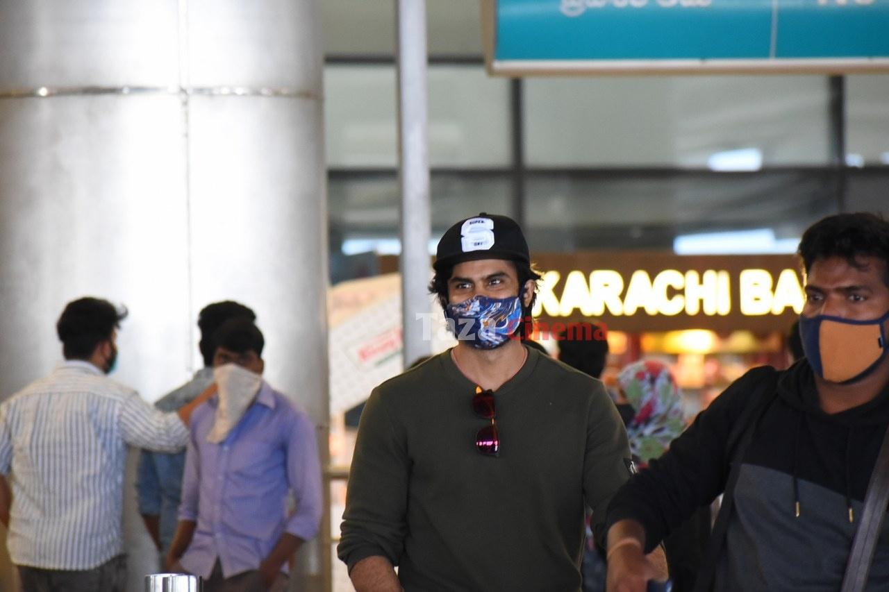 Sudheer-Babu-snapped-at-RGIAirport-5