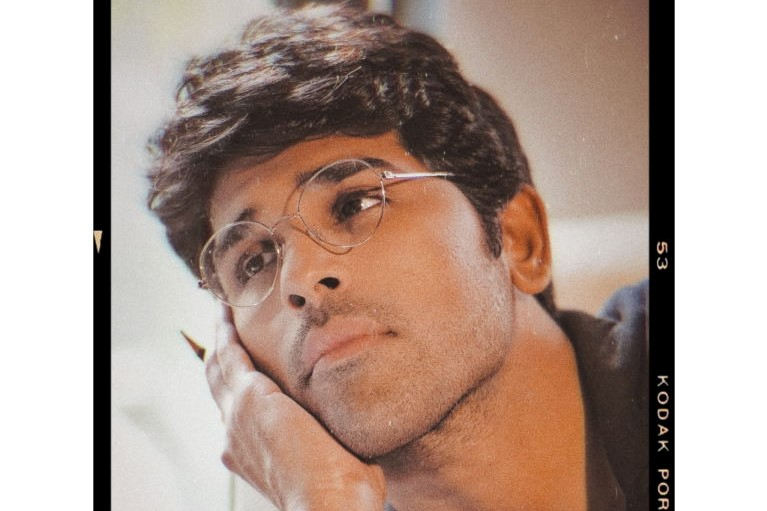Allu Sirish becomes 'Subject' to Maruthi's daughter's shoot