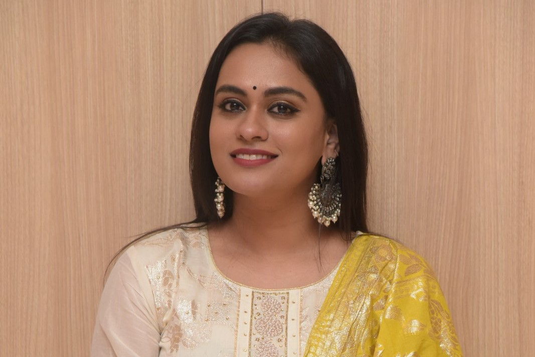 Anchor Geetha Bhagat Photos